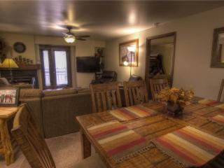 Avon Center 305, 3BD Condo