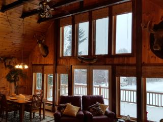 Rustic Chalet 3BR 2BA Now Booking, Jackman