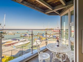 Waterfront Apartment, Cowes