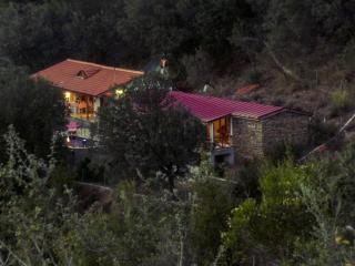 Honeymoon Cottage, Portakallik Village