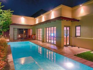 Bangtao Beach Luxury 2 bed Villa, Cherngtalay