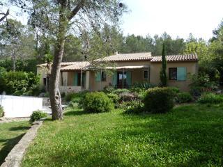 villa  et verdure à Nimes