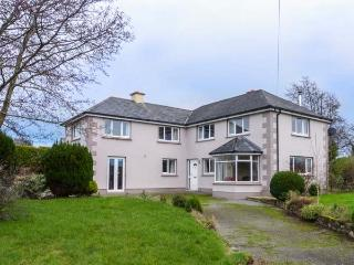 ALDERBROOK HOUSE, detached, en-suites, pet-friendly, open fire, Enniscorthy