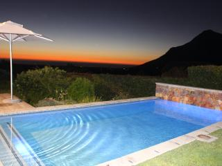 COME TO THIS PEACE OF HEAVEN - STUNNING, PEACEFUL, Noordhoek