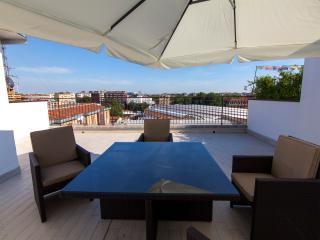 luminoso appartamento con terrazzo