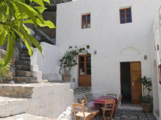 Villa with Garden in Lindos village near the beach