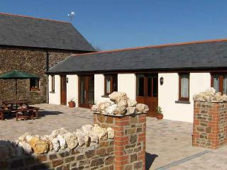 Hele Barton near Bude - Courtyard Stables Sleeps 2
