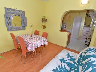 Apartment 1488