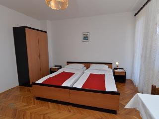 Apartment 1586