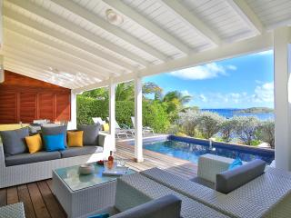 LITTLE PARADISE II... Charming 3 BR  villa with beautiful views, 7 min drive to Orient Beach or Grand Case!