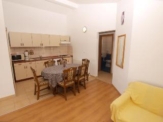 Apartment 1674
