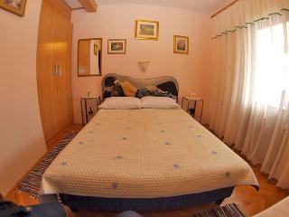 Room 332, Rabac