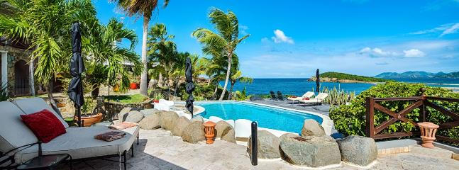 St. Martin Villa 256 A Superb Waterfront 1 Bedroom Villa Located On The Cliffside In Terres Basses With Spectacular Views Of The Ocean., Terres-Basses