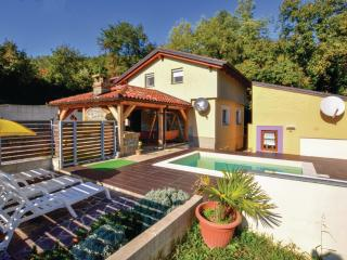 House with pool in Istria 10 km from sea, Koper