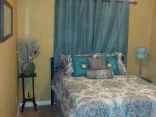 Villas at Woodlawn Lake Furnished 1 bdrm, San Antonio