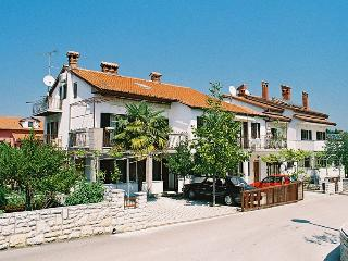 Apartment 1825, Porec