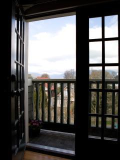Lions' Loft Juliette Balcony