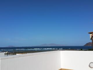 Just 100 yards from marvelous beach, Corralejo
