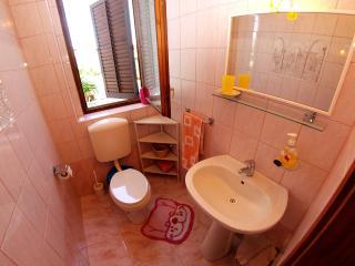 Apartment 1006