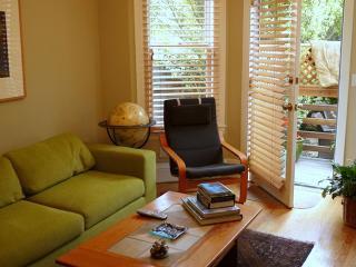 Elegant Garden Apartment in Lovely Neighborhood, São Francisco