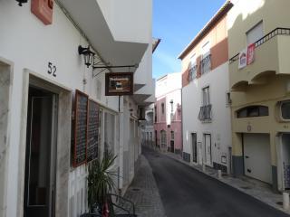 Casa Oliveira, Lagos