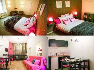 2 room Flamingo Boutique Apartment, Cracóvia