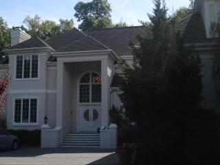 Country Home Getaway Close to NYC, Somers