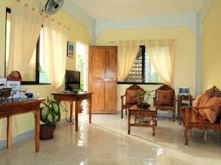 ROOM FOR 2 TO 3 PERSONS, Coron