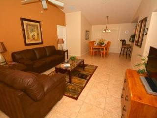 3 Bedroom 3 Bath Pool Home with Lake View. 163SC, Orlando