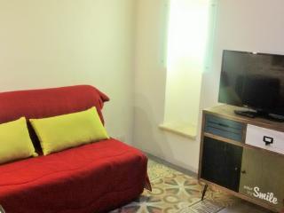 L'Officina - Via R. il Guiscardo 4 - Bari * Dimora Giulietta - living