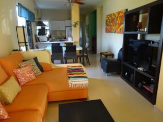 """SEA BREEZE"" - YOUR 2 BR PENTHOUSE AT COCO BEACH, Playa del Carmen"