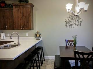 The Casitas -Brand New Beautiful Vacation Townhome, Washington