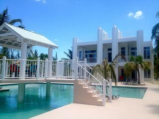 Simply the Best, North Caicos