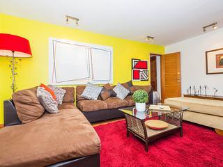 Fantastic 3 Bedroom Apartment in El Golf, Santiago