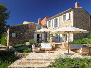 Maison Rouge, Sleeps 10