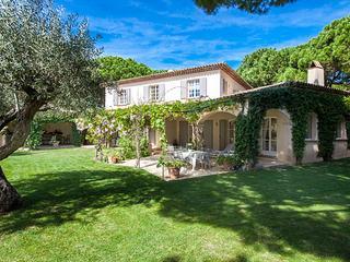 Great St Tropez Vacation Rental, 5 Minute Walk to Les Moulins - ACV CAS, St-Tropez