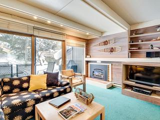 Ski-in/ski-out condo with shared pools & sauna!, Ketchum