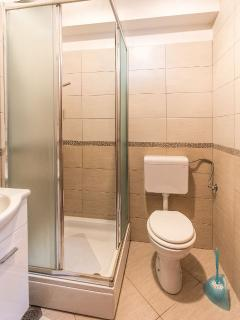 A2 MALI (6+1): bathroom with toilet