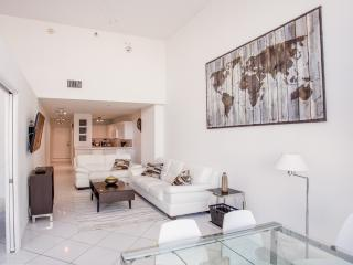 Beautiful 2 Bedrooms Apartment – Walking distance, Miami Beach
