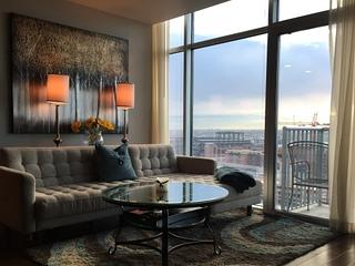 Luxury Glass House Condo Downtown, Denver
