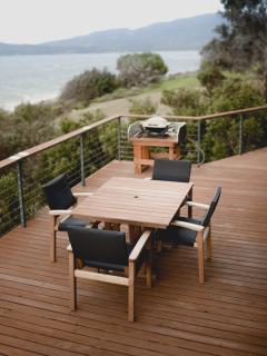 Larus Waterfront Cottage BBQ