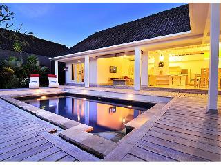 3 bedroom Blanchet Villa Oberoi, Seminyak