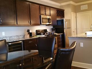 Elegant 2B Suite.- Leawood Area!! 6-201, Overland Park