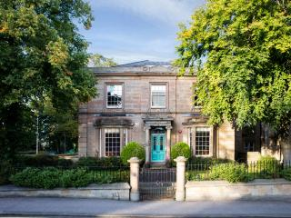 Norfolk House 5* HOT TUB Hen Party Mansion 20, Huddersfield