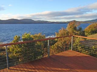 Larus Waterfront Cottage view