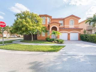 Doral Luxury Vacational House