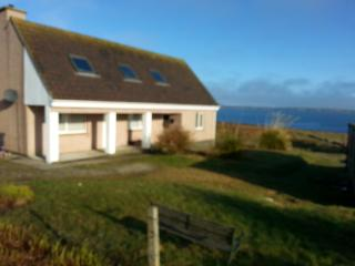 Hamish House, large, self catering, sea views., Stornoway