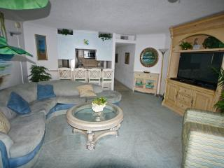 Beautiful ocean front condo Unit 1C, Ocean City