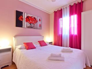 Three-bedrooms Apartament near ramblas 9 people