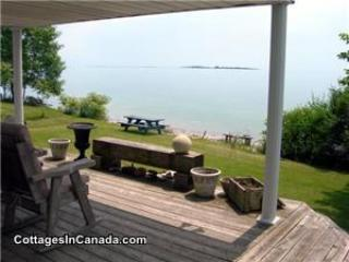 Loons Landing In Brighton On Lake Ontario, casa vacanza a Cobourg